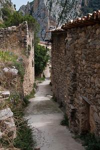 Small roads in Abella