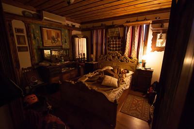Cath in the very comfortable bedroom at Homeros Hostel in Selçuk near Ephesus