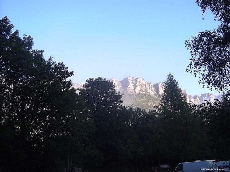 Chaine montagneuse du Causse MEJEAN au soleil