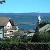Vue depuis le Camping d'YVOIRE (74) Lac LEMAN et Suisse sur autre rive.