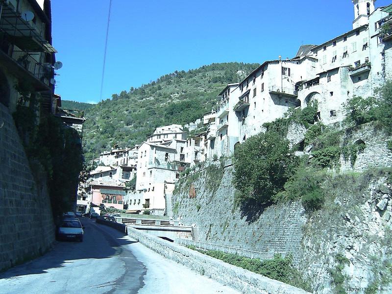 LUCERAM - Route vers le Col du TURINI