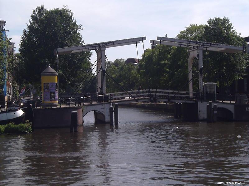 AMSTERDAM - Pont levant