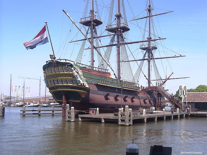 AMSTERDAM - Navire du même nom