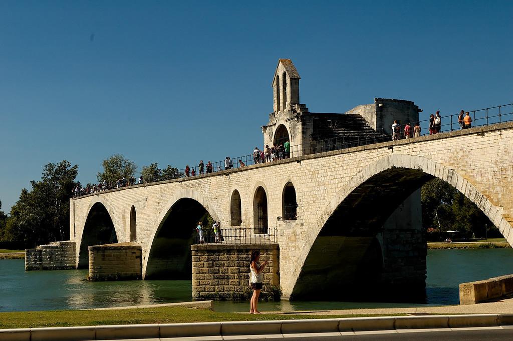 """Le pont Saint Benezet, dit """"pont d'avignon"""""""