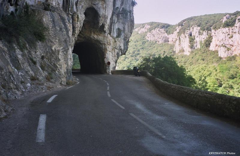 D 290 descendant les Gorges de l'Ardèche