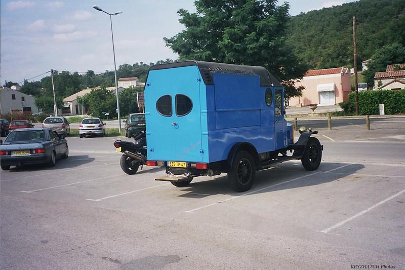 RUOMS - Réplique de véhicule ancien