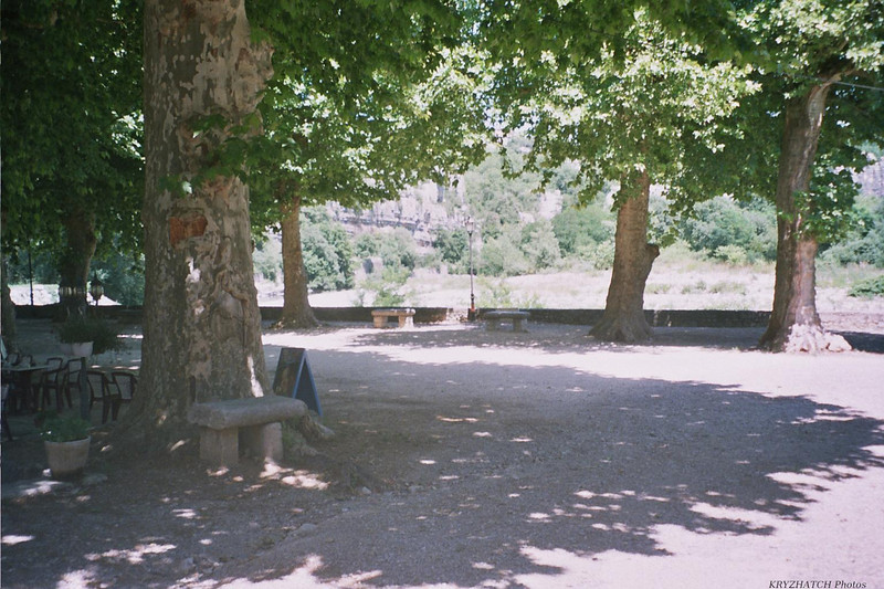 LABEAUME - Place du village