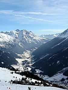 skiing_stanton2009-0001111