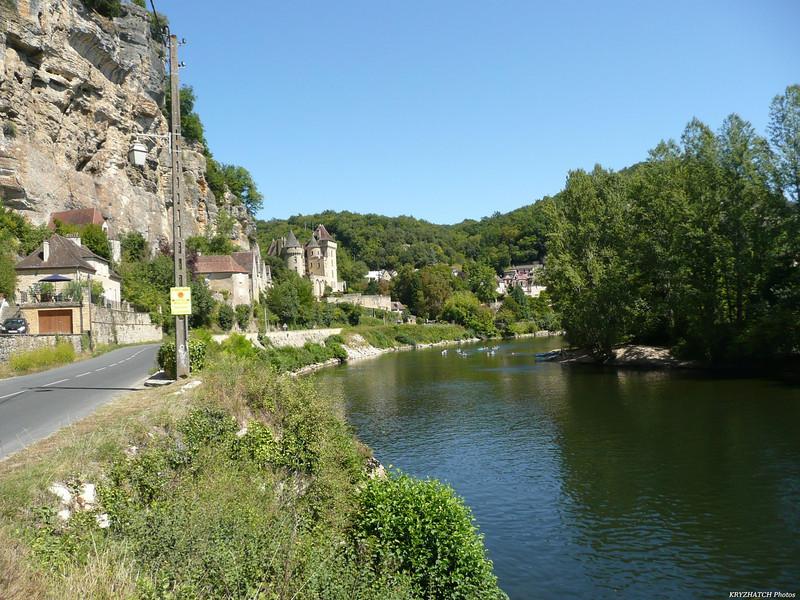 La ROQUE GAGEAC (24) - Sur les bords de la Dordogne