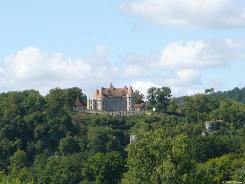 Chateau sur le bord de la route