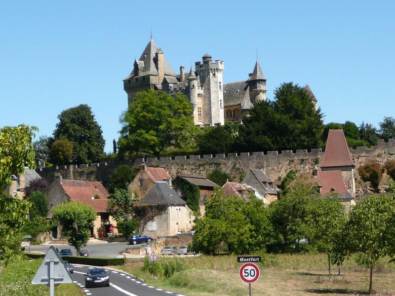 MONTFORT (24) - Le chateau