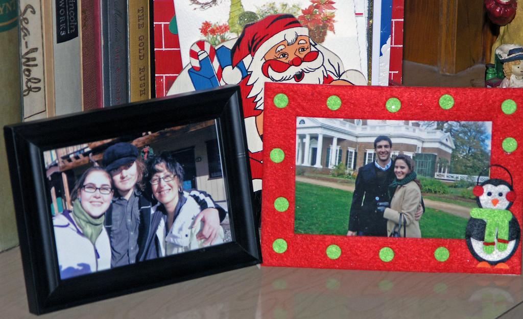 Dec 17.  A closer view of the photographs.