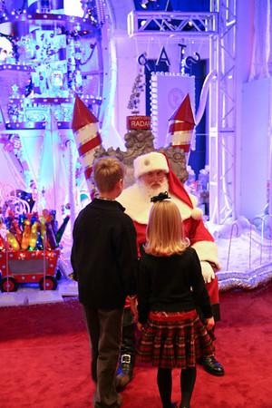 2010 Dec 22 - Pics with Santa