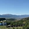Four solaire sur fond de chaine des Pyrénées
