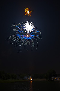 Fourth of July 2010-Pleasant Valley Fireworks-54