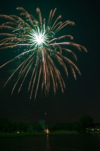Fourth of July 2010-Pleasant Valley Fireworks-92