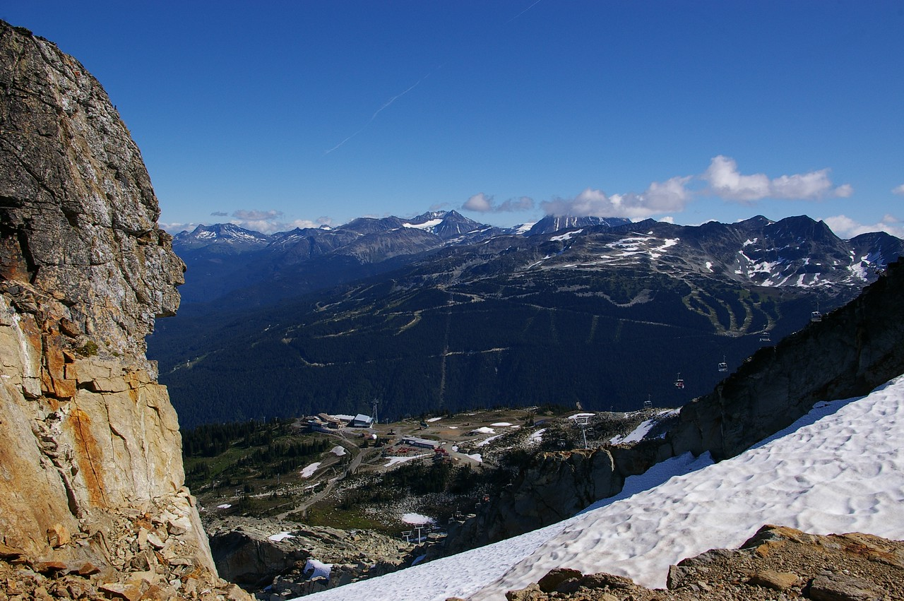 Start of high note trail - view down to gondola station