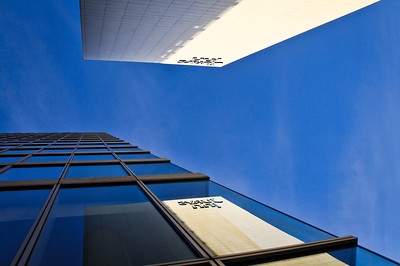 Reflection of the Jurys Inn, Milton Keynes