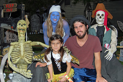 3043 2011 Halloween at the BOOva House