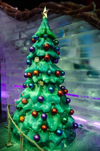 ICE Christmas Tree An ICE Christmas Tree at the Gaylord National