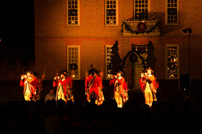 Fife and Drum Corps before Illumination The Colonial Williamsburg Fife and Drum Corps play tunes leading up to the Grand Illumination