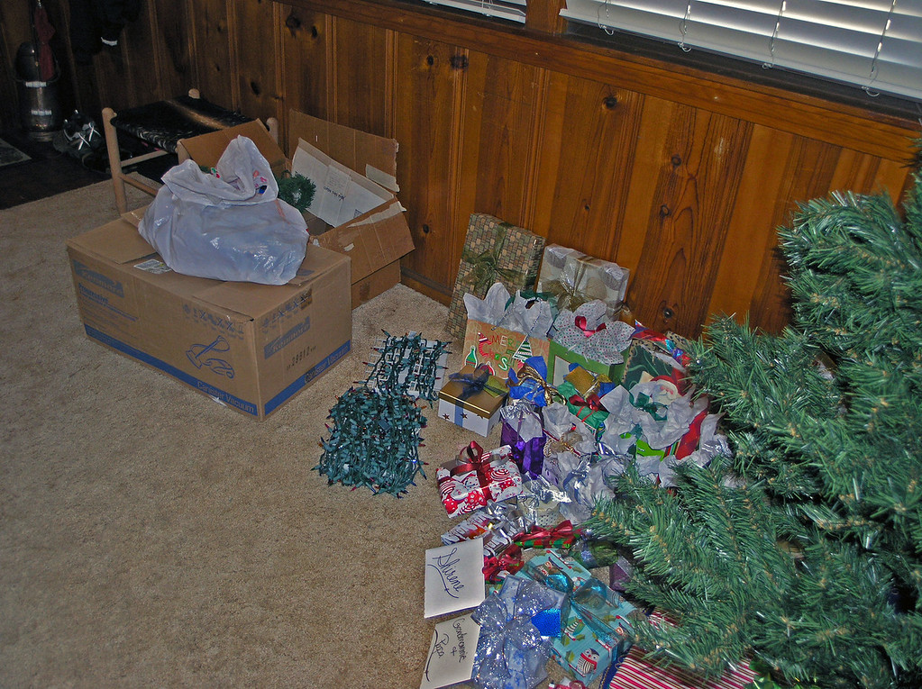 Dec 24.  Christmas Eve, but no Louise and Jo Ann.  Anyway, I got out the boxes of Christmas decorations, and there they sit, waiting for  . . . .