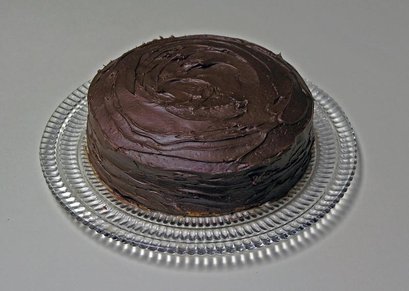 Dec 22.  Gmom baked a cake.