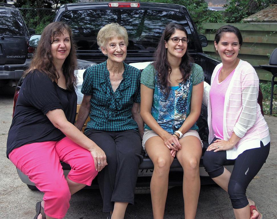 Sep 2.  Louise, Gmom, Shirene, Christen.