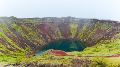 Het kratermeer van de Kerið vulkaan