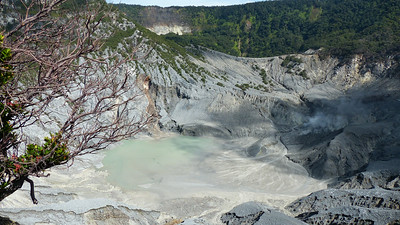 Tangkuban Perahu krater