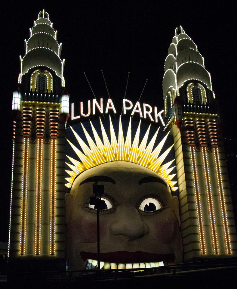 Entrance to Luna Park