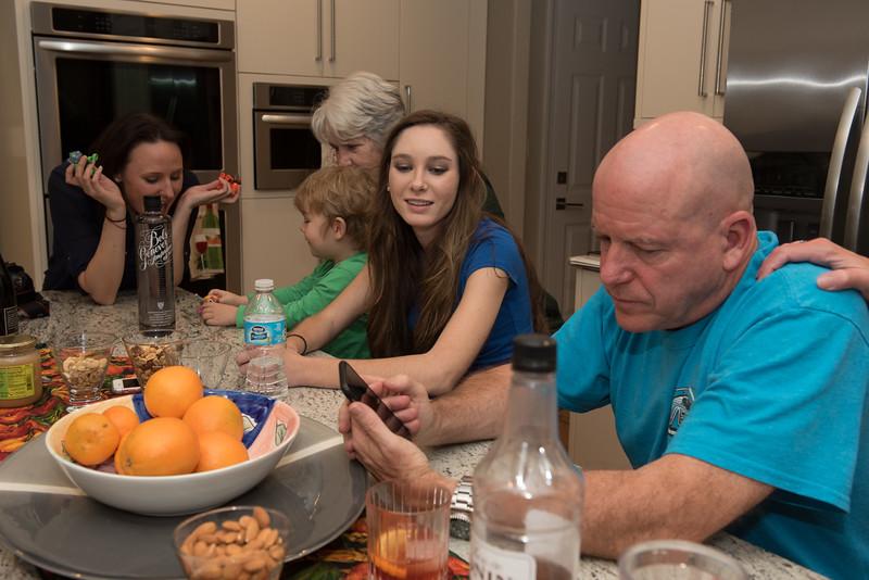 20161123 Thanksgiving Family Gathering KBD_3623