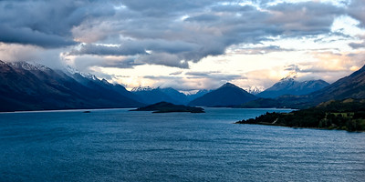 Losing the light at Lake Wakatipu