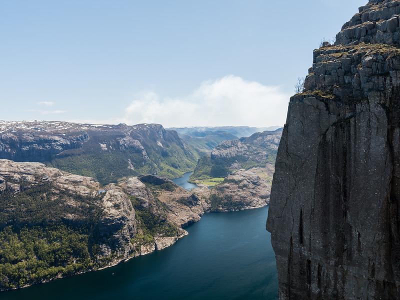 Vue du haut du preikestolen (pulpit rock). <br /> Norvege.