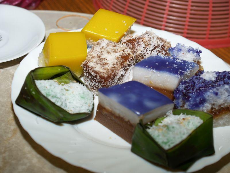 Cakes! (Kueh Nyonia)