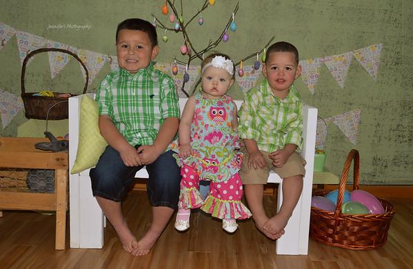 Adain, Zaylin, Catie & family