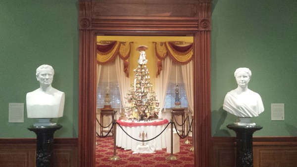Antique Christmas - Taft Museum of Art - Cincinnati - 20 Dec. '16