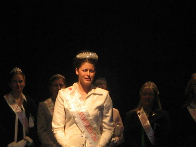 Queen Annapolisa at the Apple Blossom Festival Opening