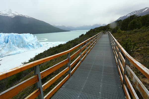 Being one of the top attractions in Patagonia, the whole area is well prepared for tourists. The areas for vising are clearly marked with ample parking spaces.
