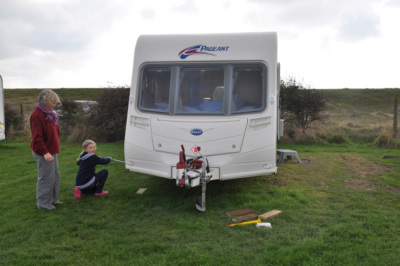 Getting ready to go home: Lucy unsteadies the caravan!