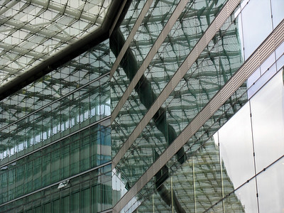 Glass building near Zoologischergarten