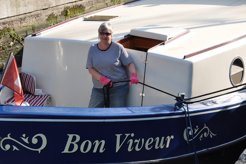 Vanessa holding Bon Viveur steady in the last lock before Dole