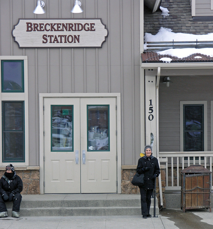 Dec 22.  We caught the free bus at Breckenridge Station and rode it to the supermarket, where we met the others for a ride home.