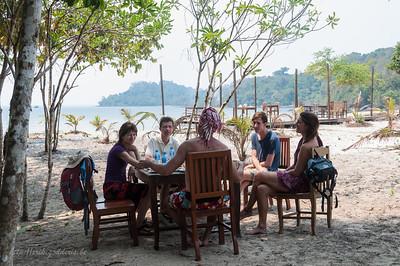 Dineren op een onbewoond eiland.