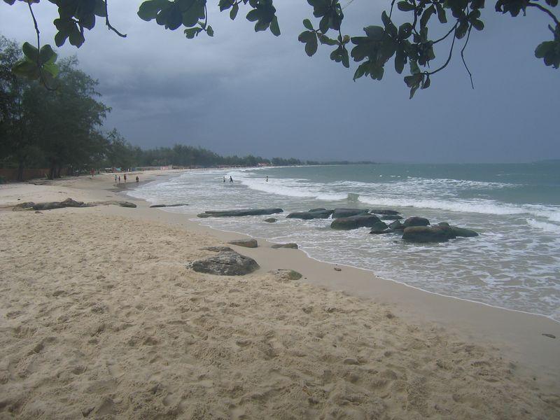 Very nice beach, even if its raining.