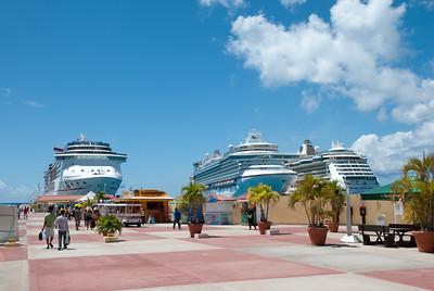 3 ships in St Maarten
