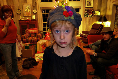 Thalia told Stephen to take a picture of 'this face.' She looks like a little waif.  I believe she likes her hat.