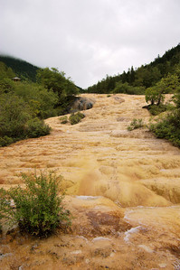20090826_1551_3026 HuangLong has sometimes been unkindly described as looking like a river of vomit.