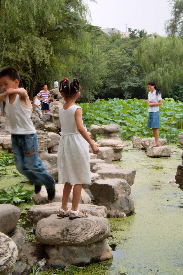 20090809_1621_2759 莲湖路 park