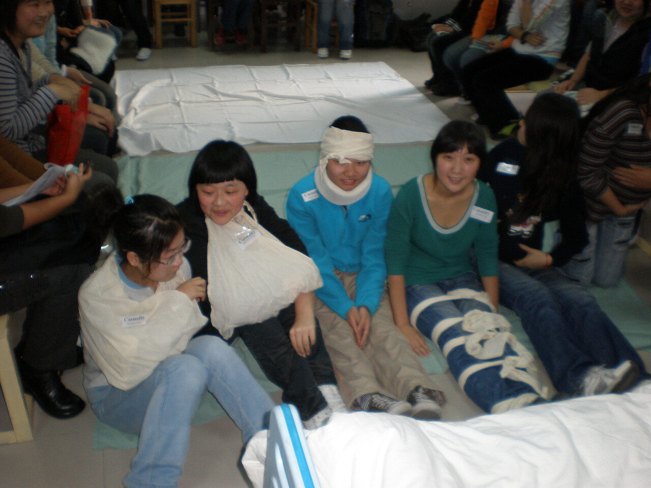 20081013_116 Nursing school disaster management training. So many casualties...
